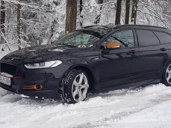 Mondeo im Schnee