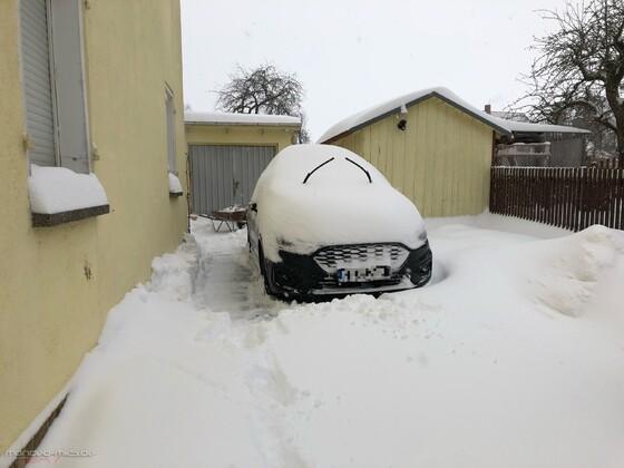 Mondeo im Schneetarn
