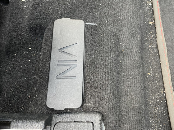 VIN Abdeckung unter/vor Beifahrersitz