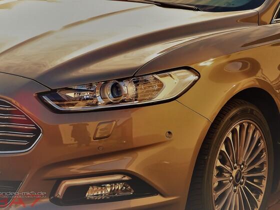 """""""SUN GLARE"""" Ford Mondeo Pyrit Silver"""