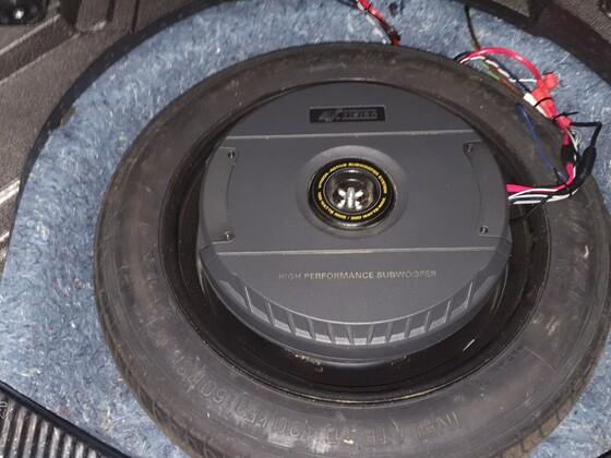 ESX V1100A Reserveradsubwoofer